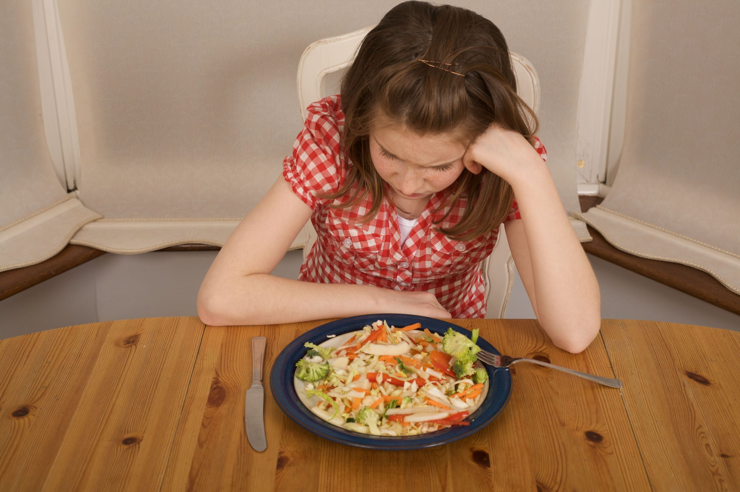 How do eating disorders affect lives